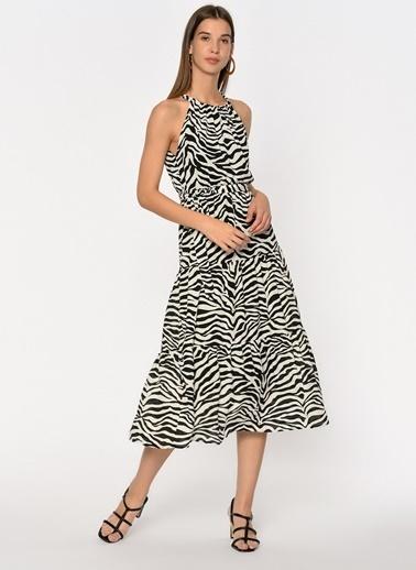 Loves You Zebra Desen Kelepçe Yaka Şifon Elbise Siyah